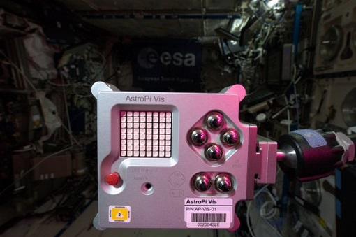 CX366x6WwAEa7-U